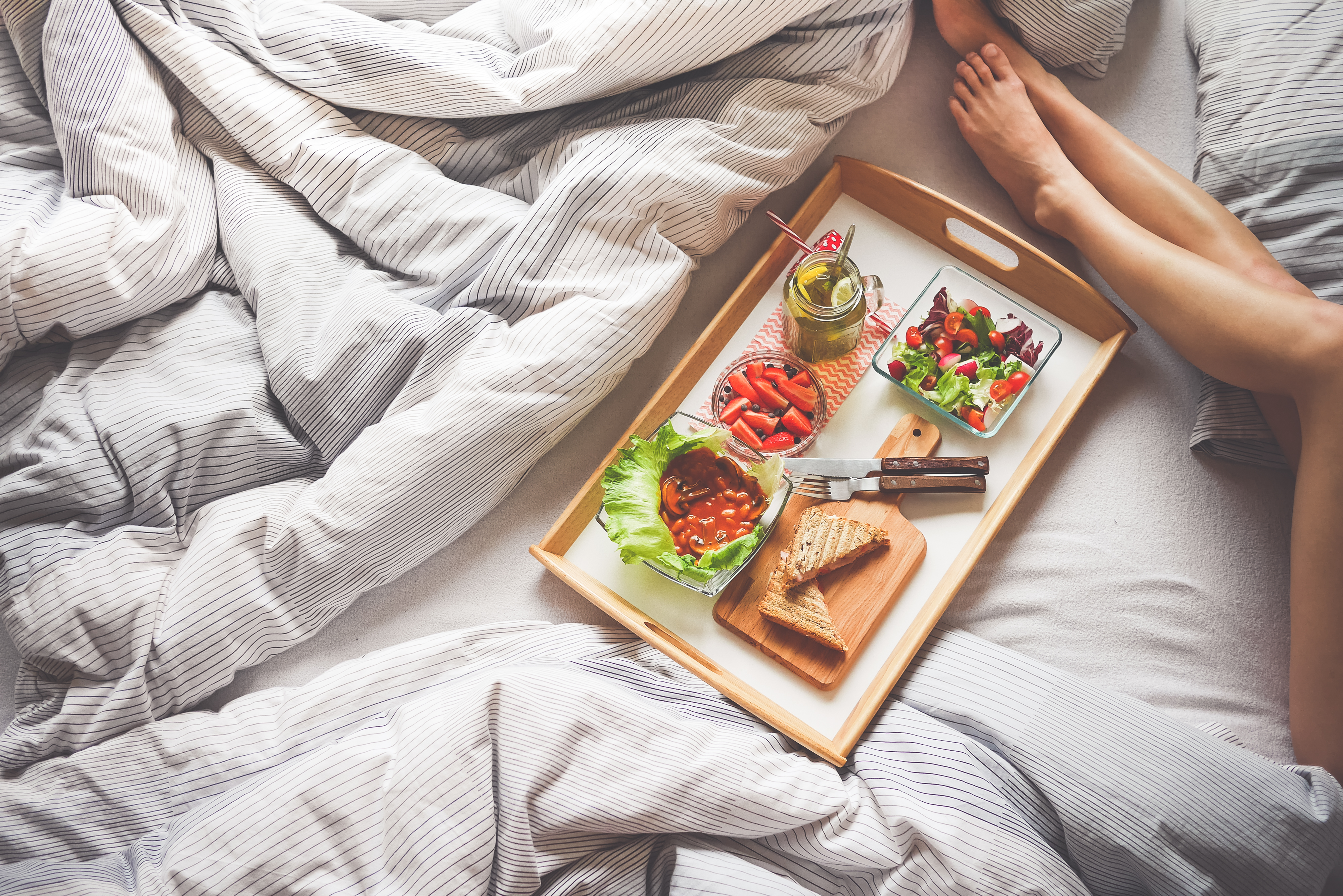 Guest Post: Foods to Avoid at Dinner for a Good Night's Sleep