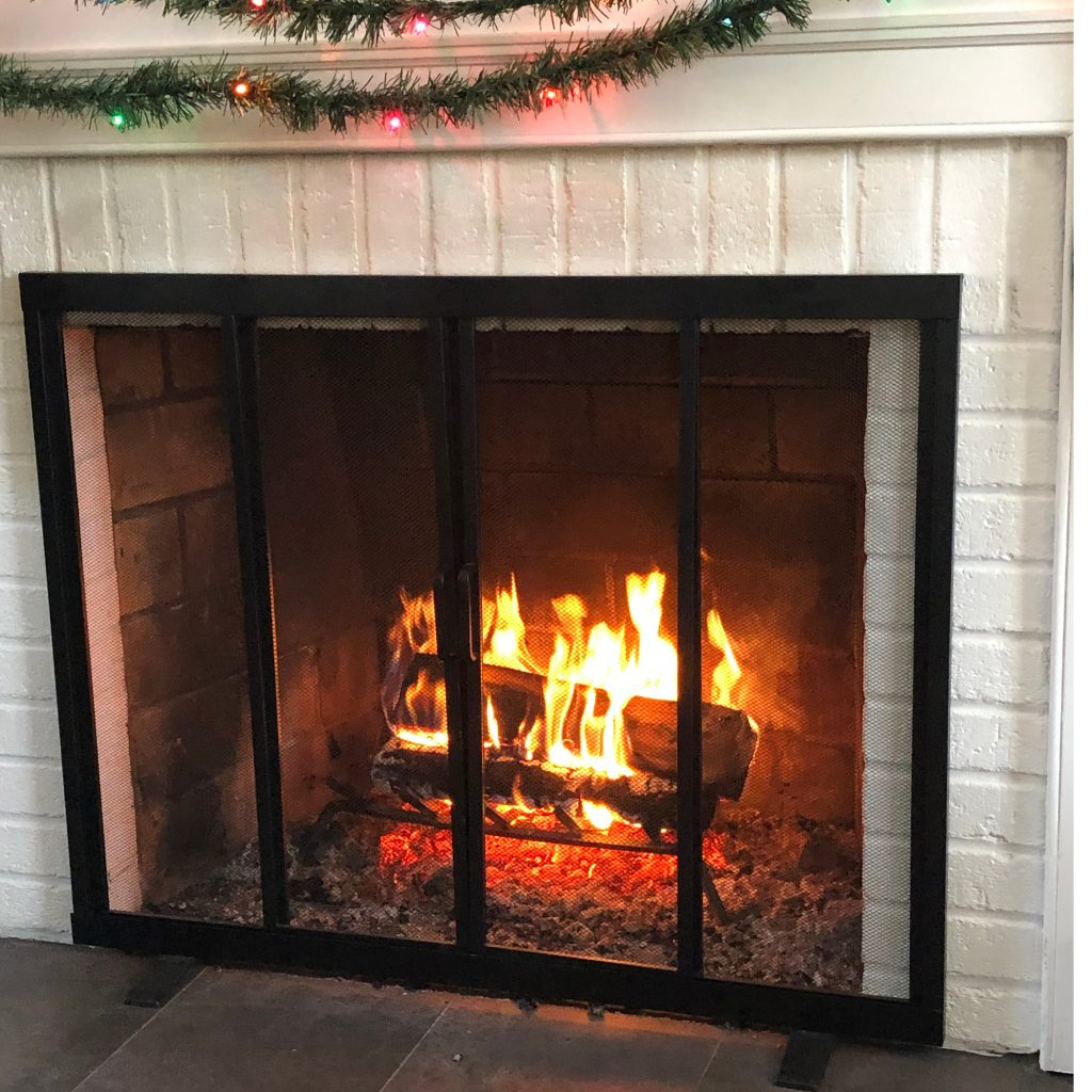 fireplace-holiday-season